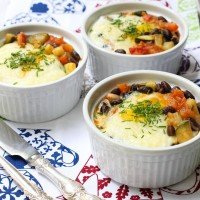 Baked Eggs with Beans and Veggies