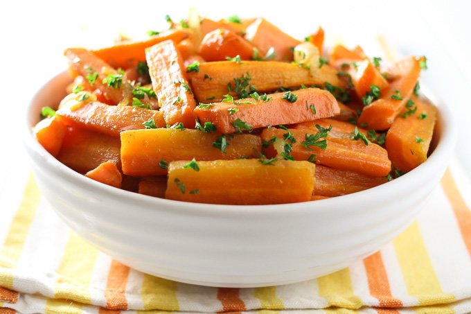 Roasted coriander carrots in a bowl.