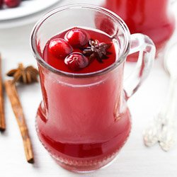 Hot Holiday Cranberry Punch: Non-Alcoholic & Alcoholic Options