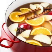 How to Make Hot Apple Cider From Scratch