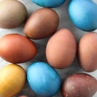 How to Dye Easter Eggs with Food Scraps