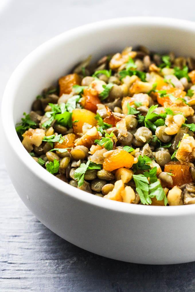 Armenian lentil dish Mshosh in a bowl.